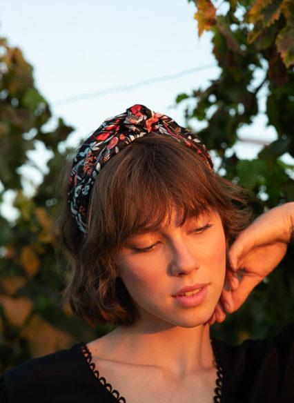 Oriana-bow-scribbledon-black (2)