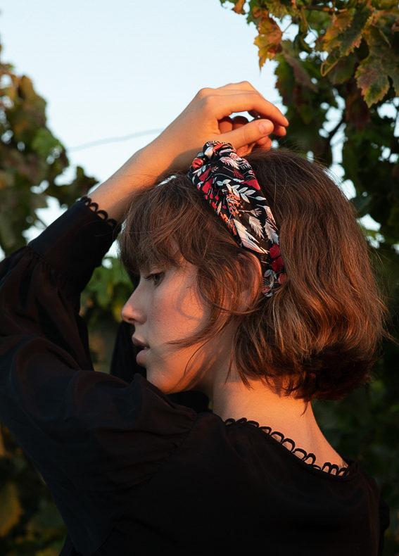 Oriana-bow-scribbledon-black (5)