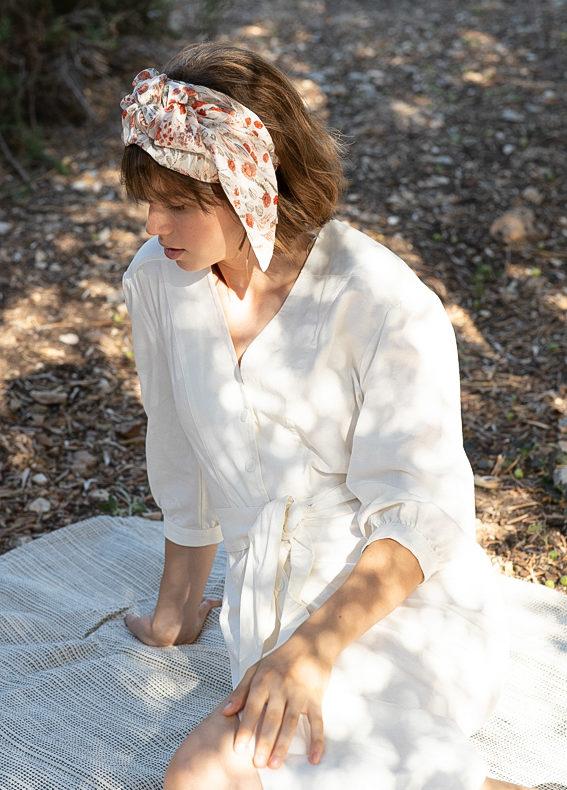 Oriana-wide-bow-scribbledon-white (1)