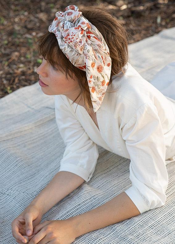 Oriana-wide-bow-scribbledon-white (4)