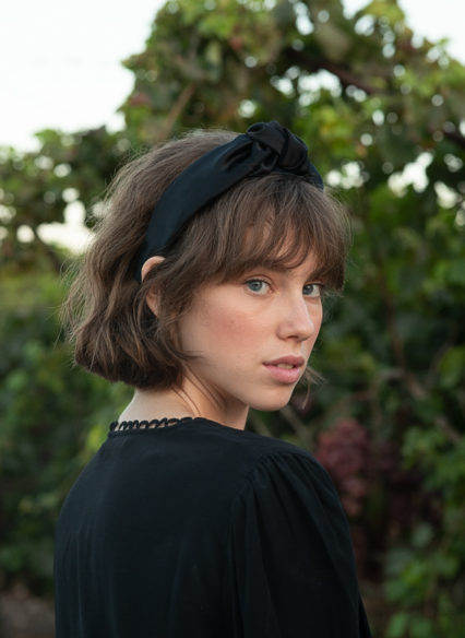 Maia-bow-black (9)