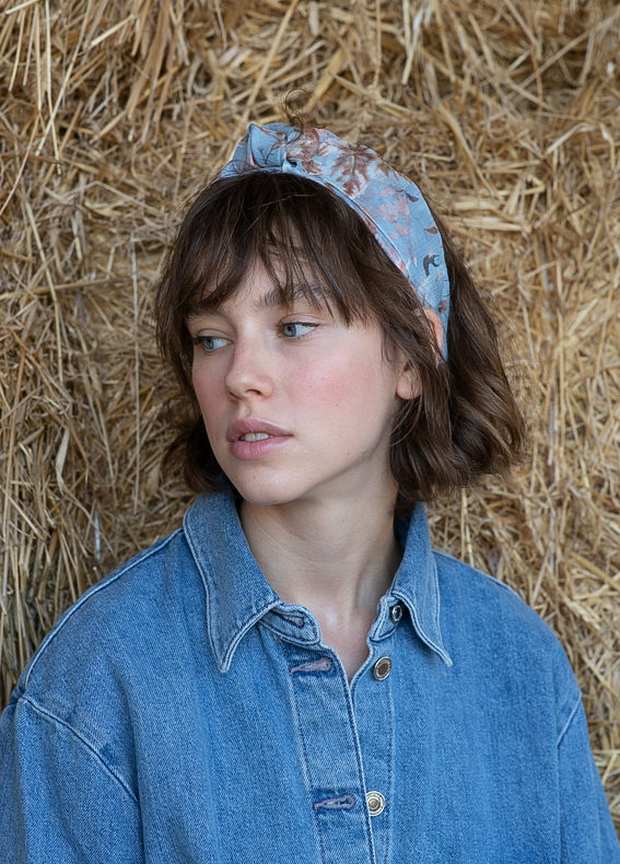 Maia-wide-bow-floral-blue-(3)